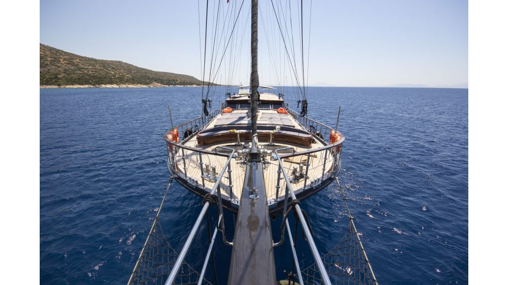 34 meters-charter yacht-master