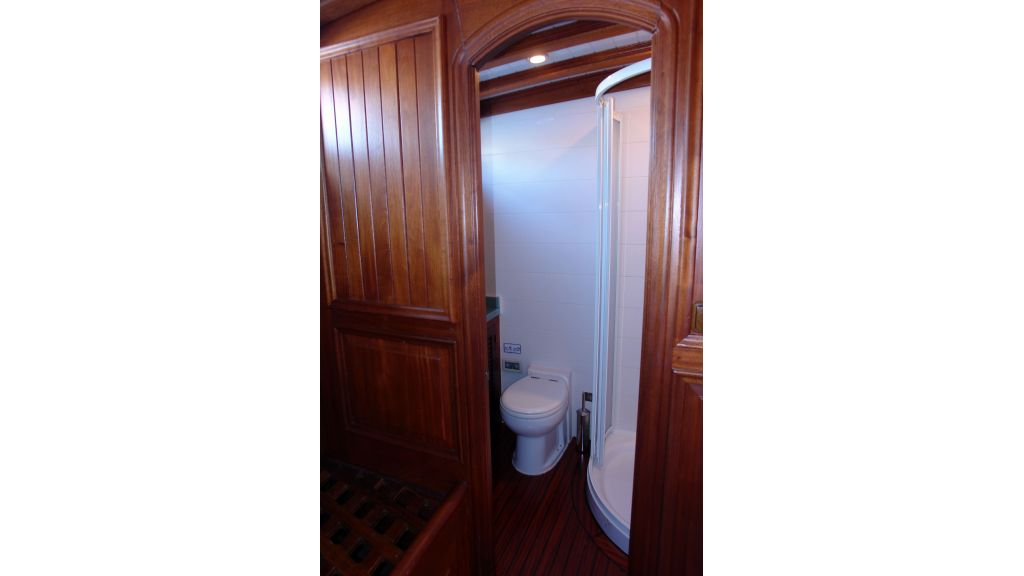5-cabins-gulet-for-sale-16