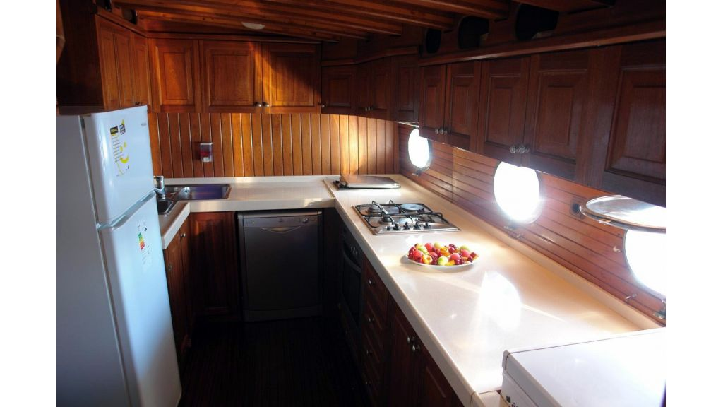 5-cabins-gulet-for-sale-23