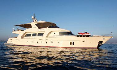 Azmim Motoryacht (1)