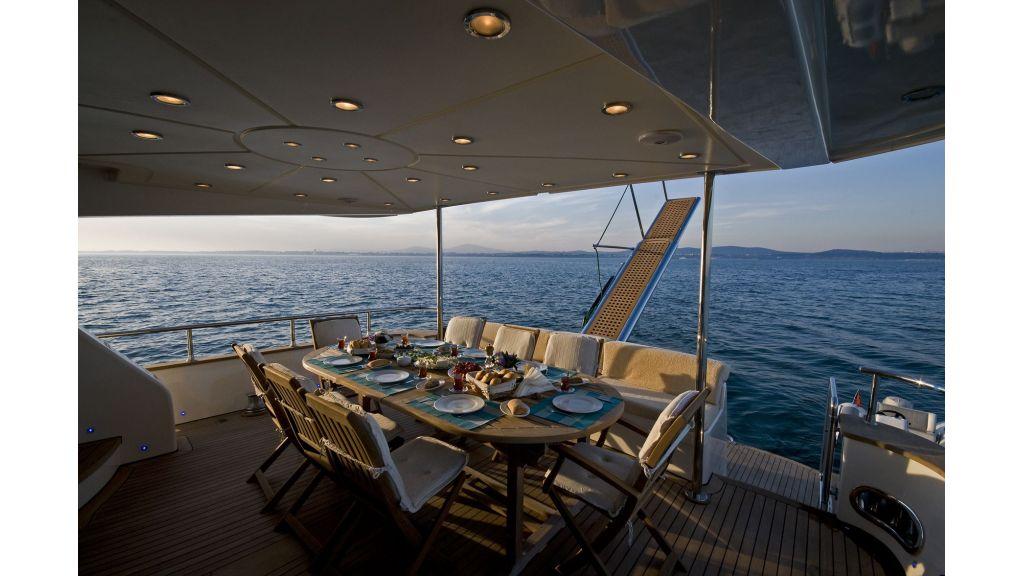 Azmin-motor-yacht-master