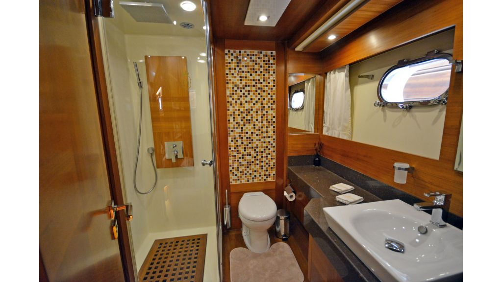 Composite Grp Motoryacht (24)