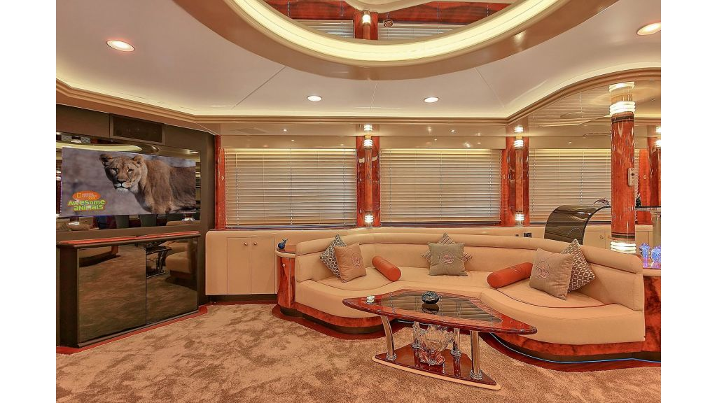 Crocus Luxury Motor Yacht (14)
