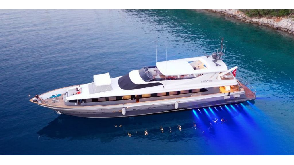 Crocus Luxury Motor Yacht (62)