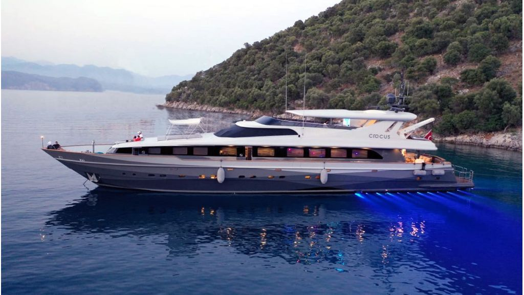 Crocus Luxury Motor Yacht (71)