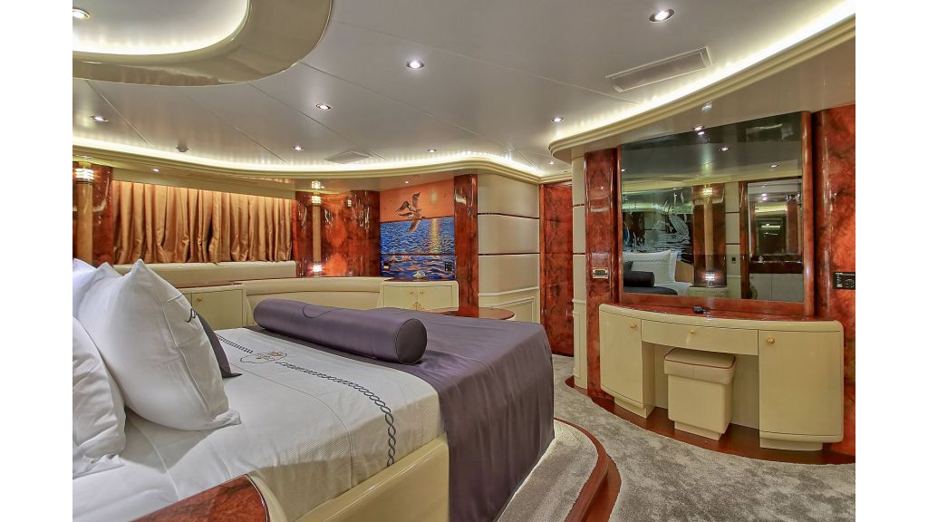 Crocus Luxury Motoryacht (4)