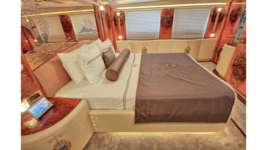 Crocus Luxury Motoryacht (49)