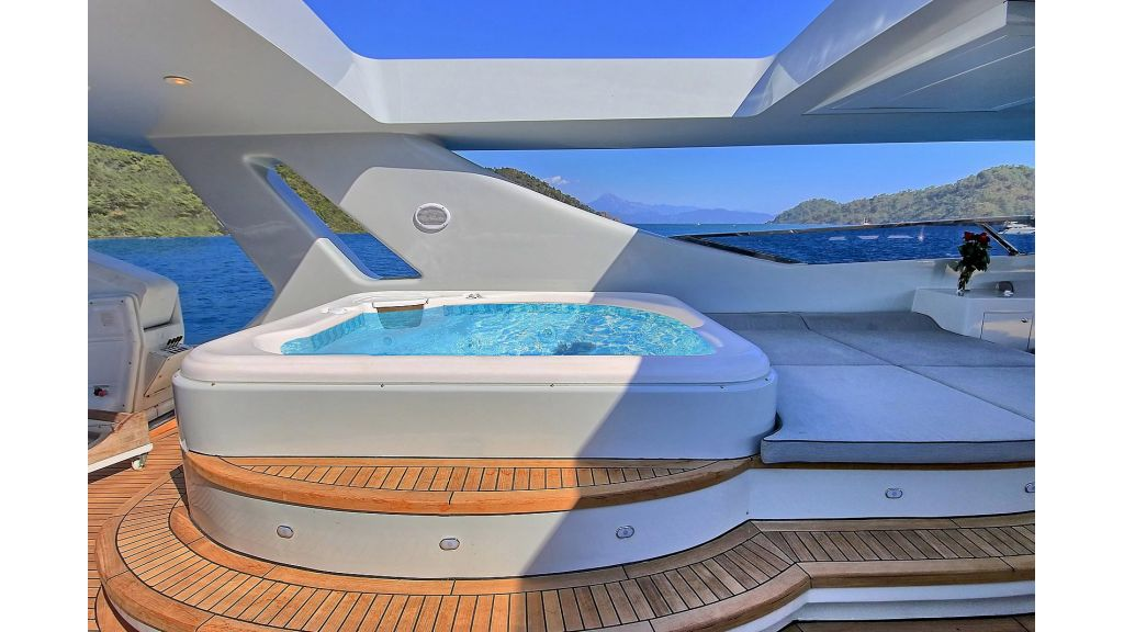 Crocus Luxury Motoryacht (69)
