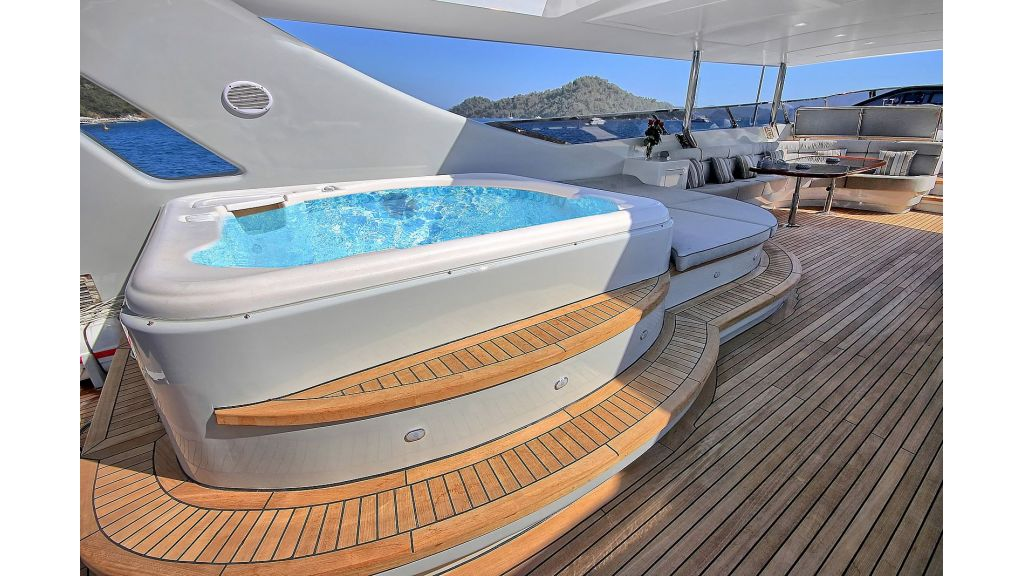 Crocus Luxury Motoryacht (70)