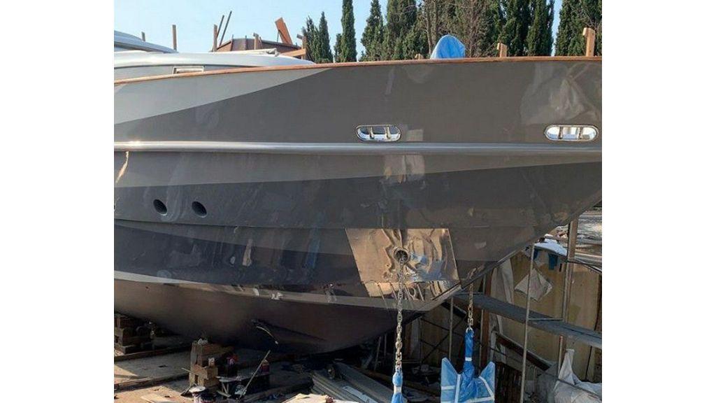 Crocus motor yacht (1)
