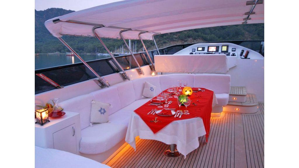 Crocus Motor Yacht (16)