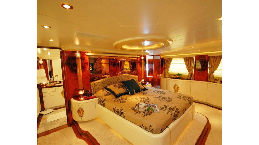Crocus Motor Yacht (22)