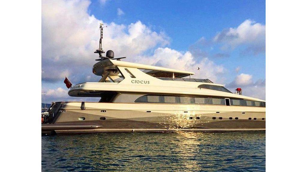 Crocus motor yacht (3)