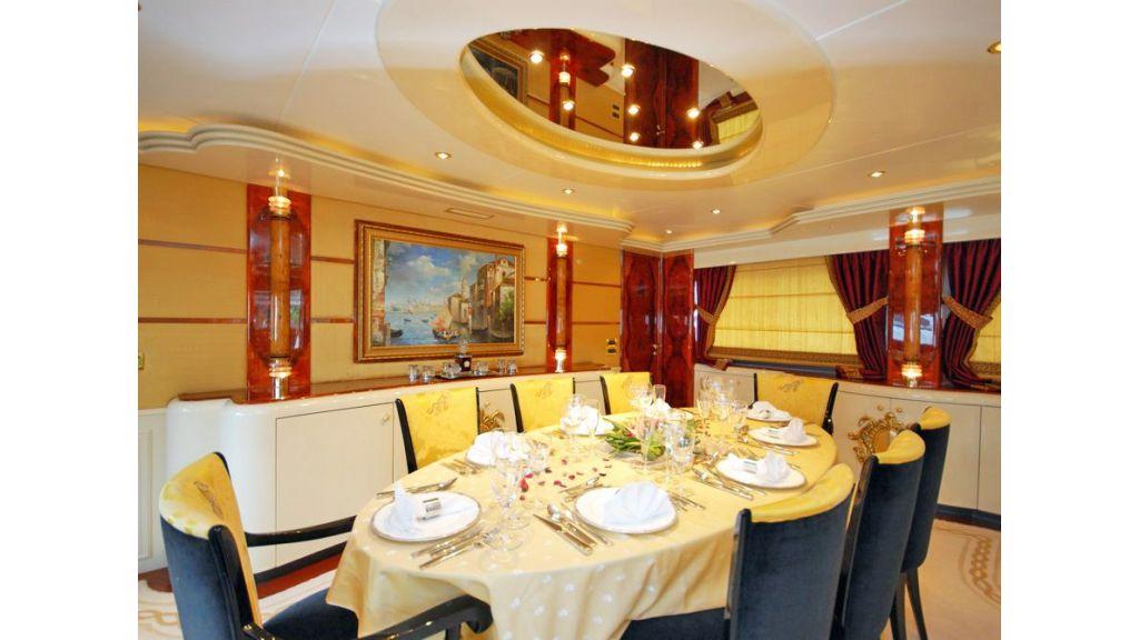 Crocus Motor Yacht (5)