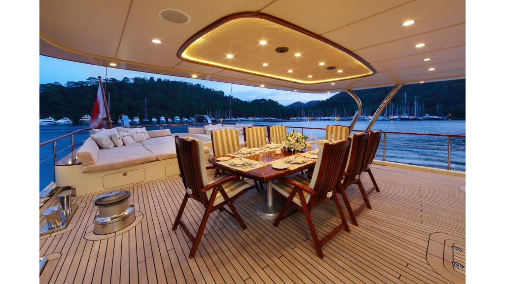Daima-Luxury-Sailing-yacht-Aft deck