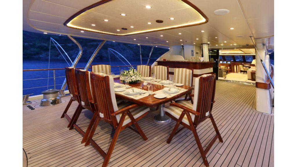 Daima-Luxury-Sailing-yacht-Aftdeck