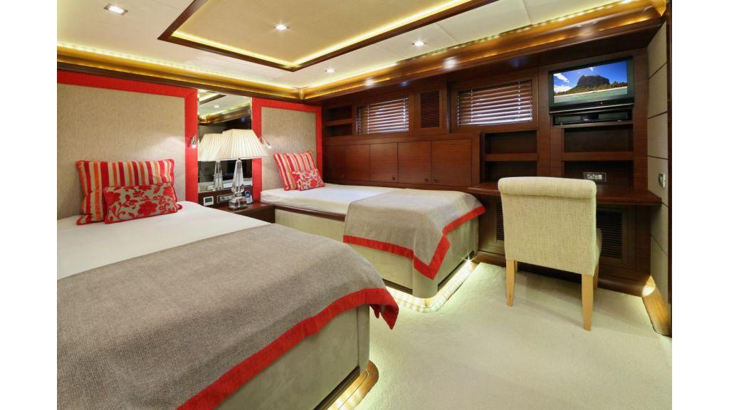 Daima-Luxury-Sailing-yacht-Guest Cabin