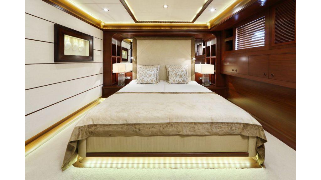 Daima-Luxury-Sailing-yacht-Guest Cabin (2)