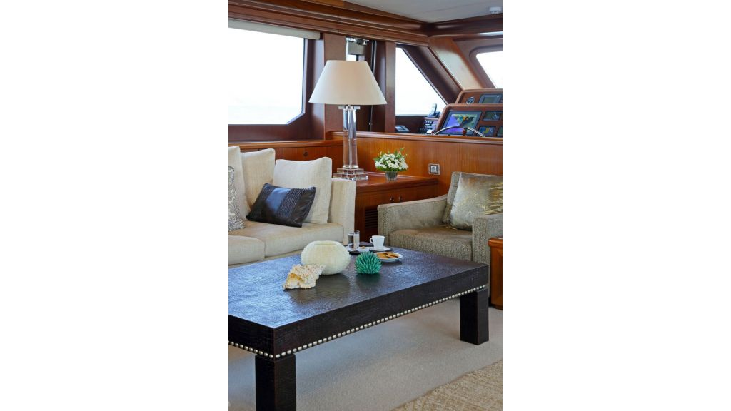 Daima Luxury Sailing-yacht-Main saloon
