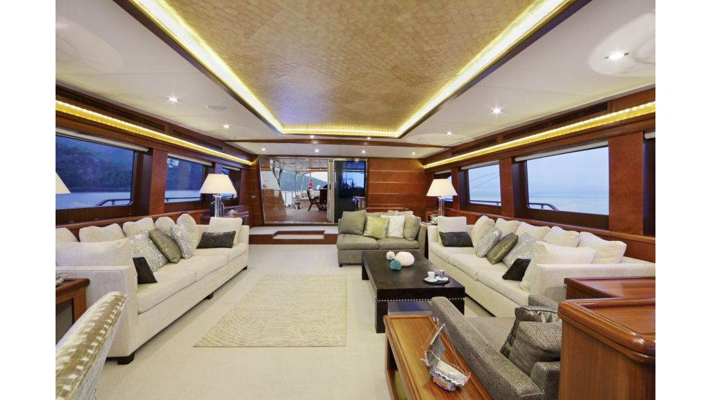 Daima Luxury Sailing-yacht-Main Saloon (2)