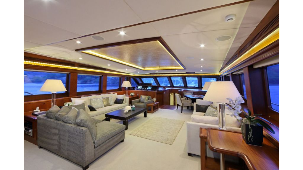 Daima-Luxury-Sailing-yacht-Main Saloon-master