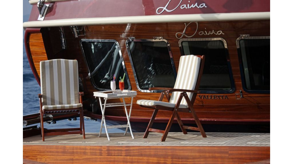 Daima-Luxury-Sailing-yacht-Swimming Platform (2)