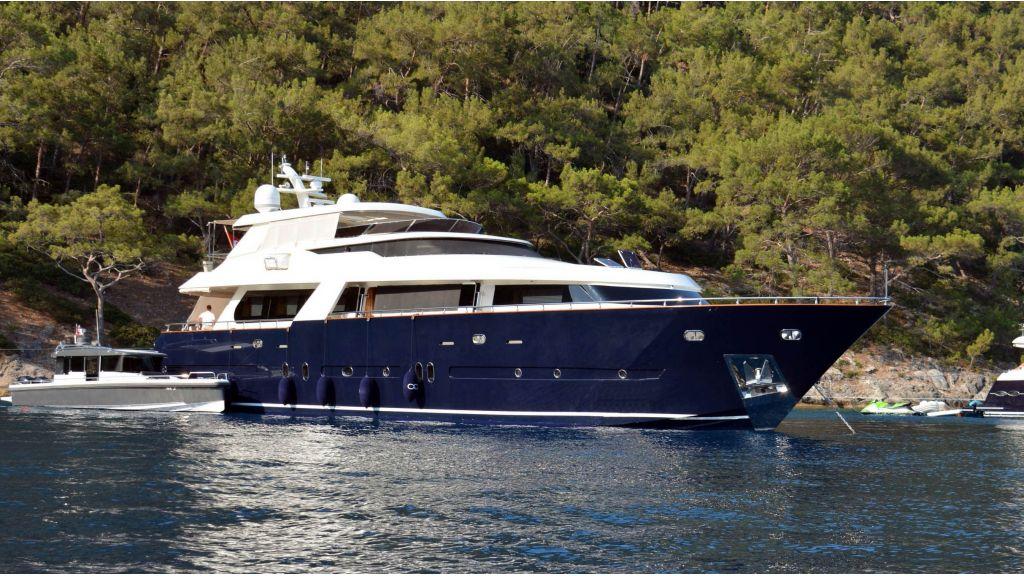 Go Luxury Motor Yacht (1)