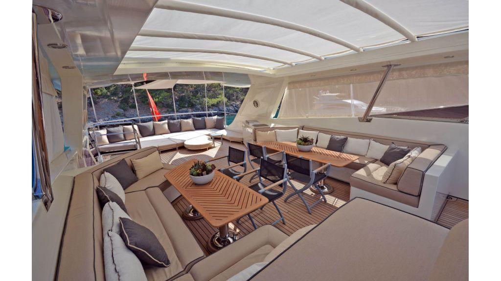 Go Luxury Motor Yacht (14)