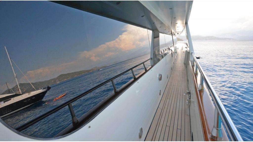 Go Luxury Motor Yacht (2)