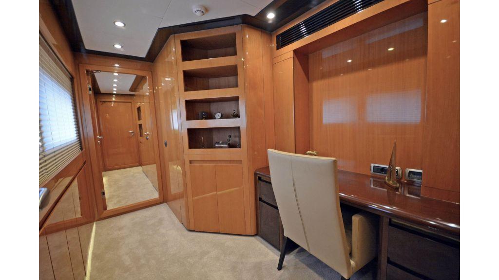 Go Luxury Motor Yacht (29)