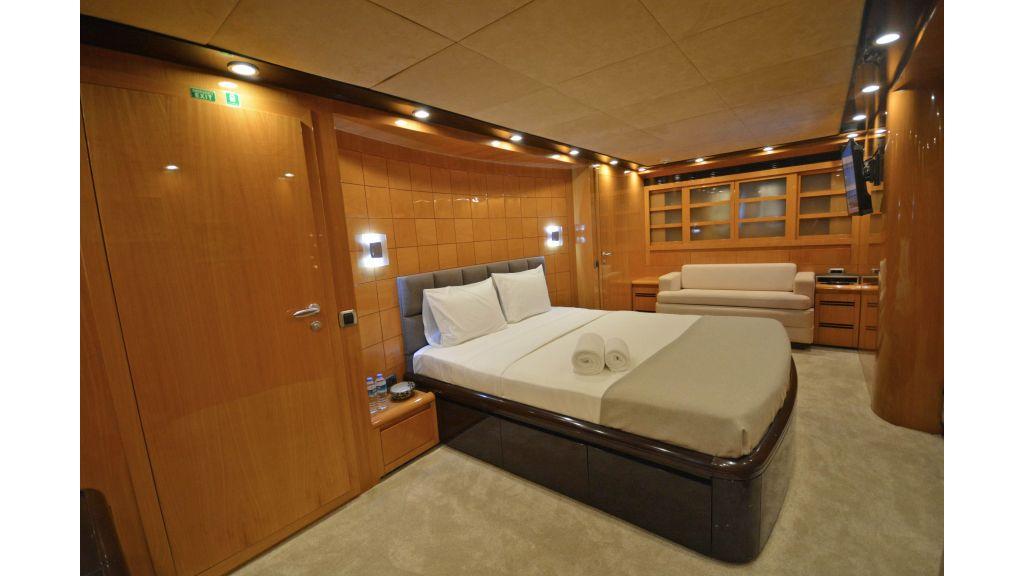 Go Luxury Motor Yacht (30)