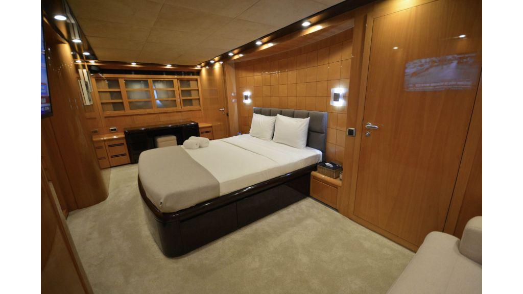 Go Luxury Motor Yacht (34)