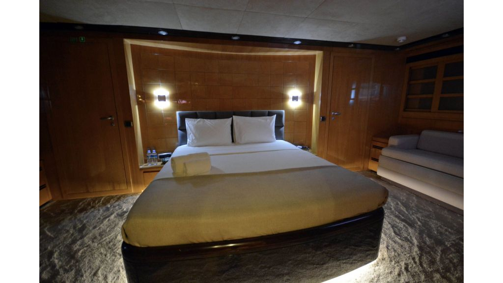 Go Luxury Motor Yacht (35)