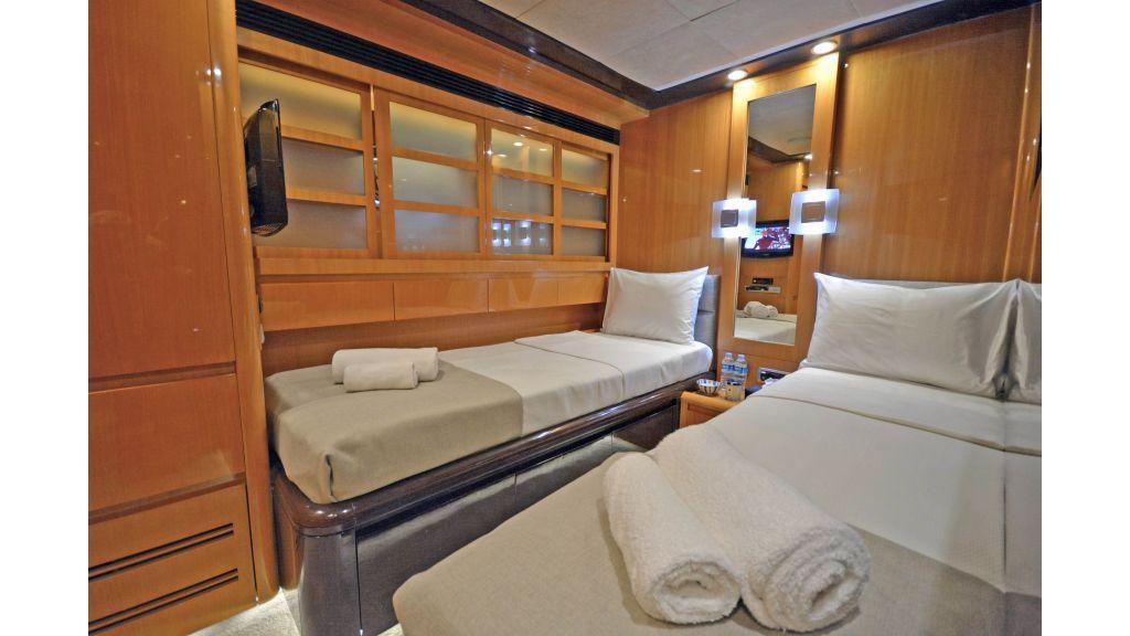 Go Luxury Motor Yacht (37)