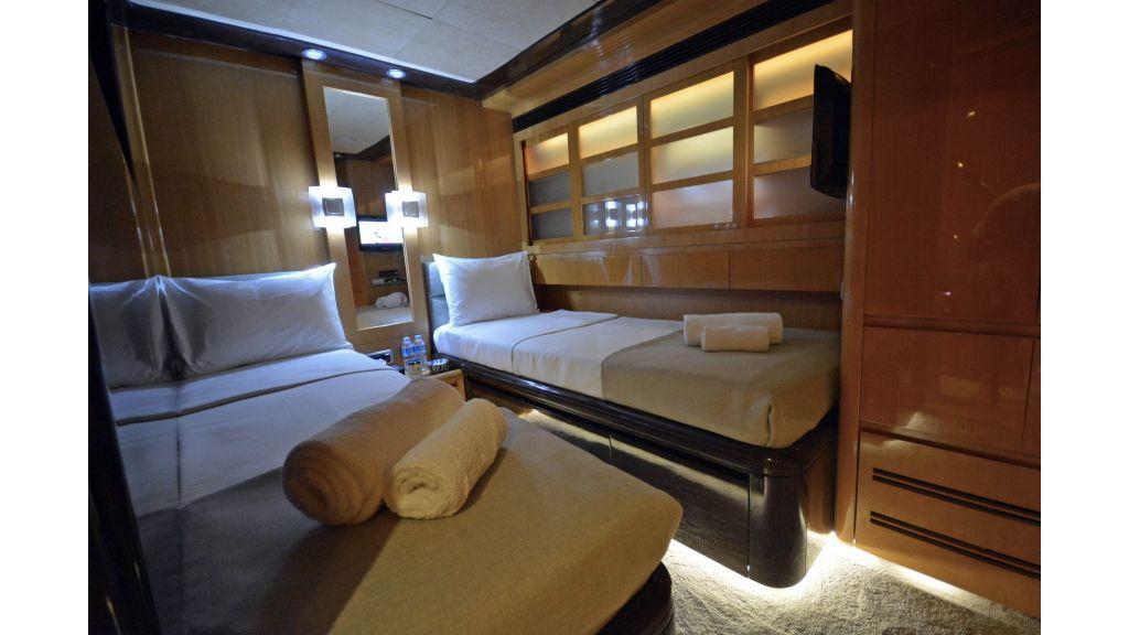 Go Luxury Motor Yacht (40)