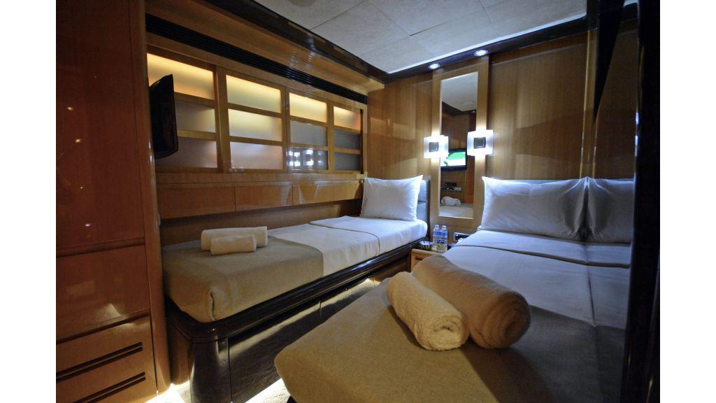 Go Luxury Motor Yacht (41)