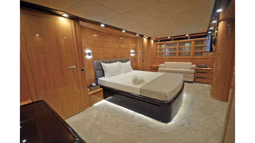 Go Luxury Motor Yacht (42)