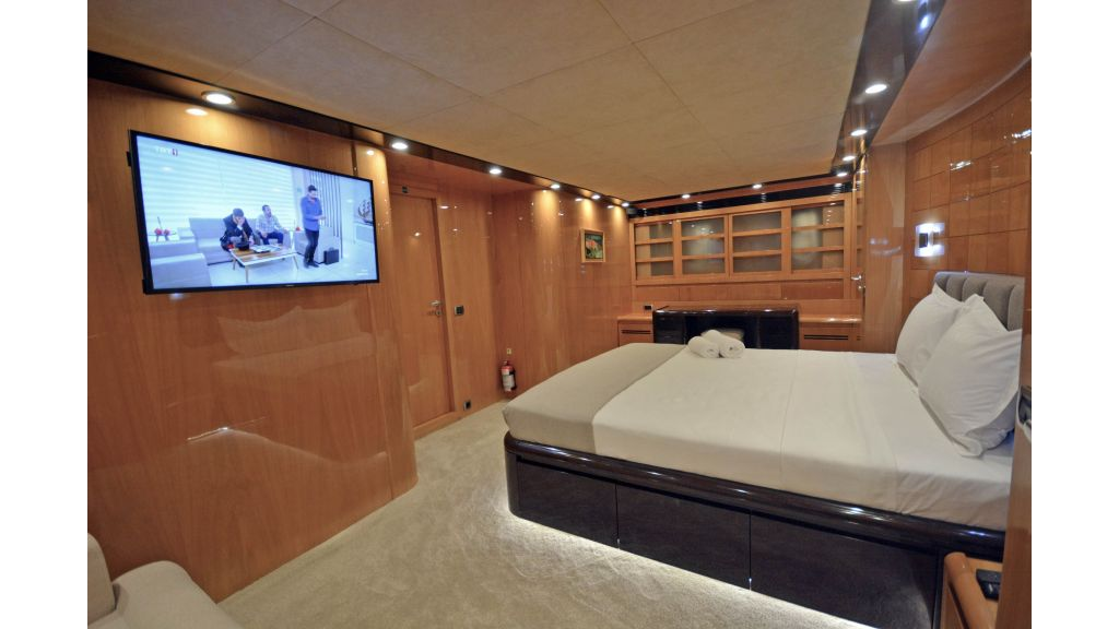 Go Luxury Motor Yacht (44)