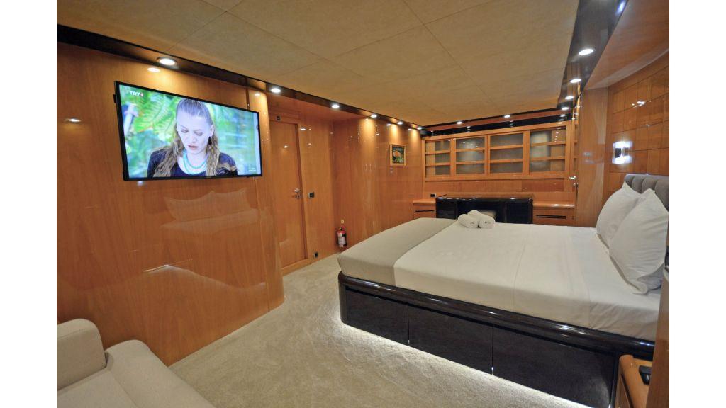 Go Luxury Motor Yacht (45)
