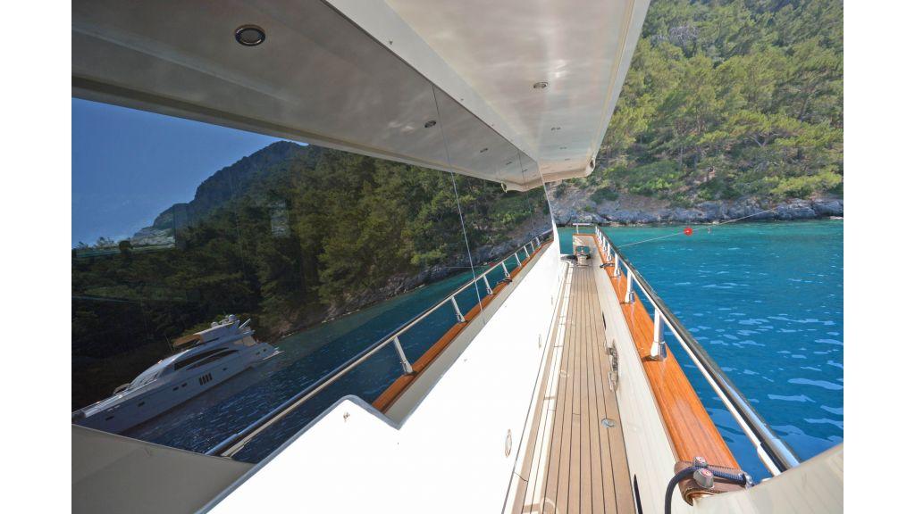 Go Luxury Motor Yacht (5)