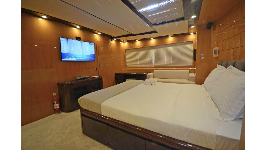 Go Luxury Motor Yacht (50)