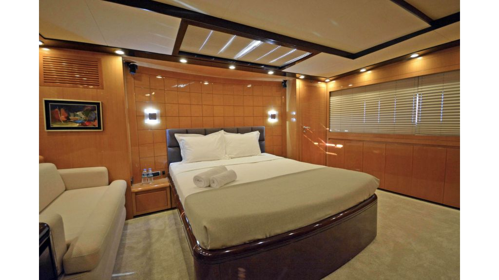 Go Luxury Motor Yacht (51)