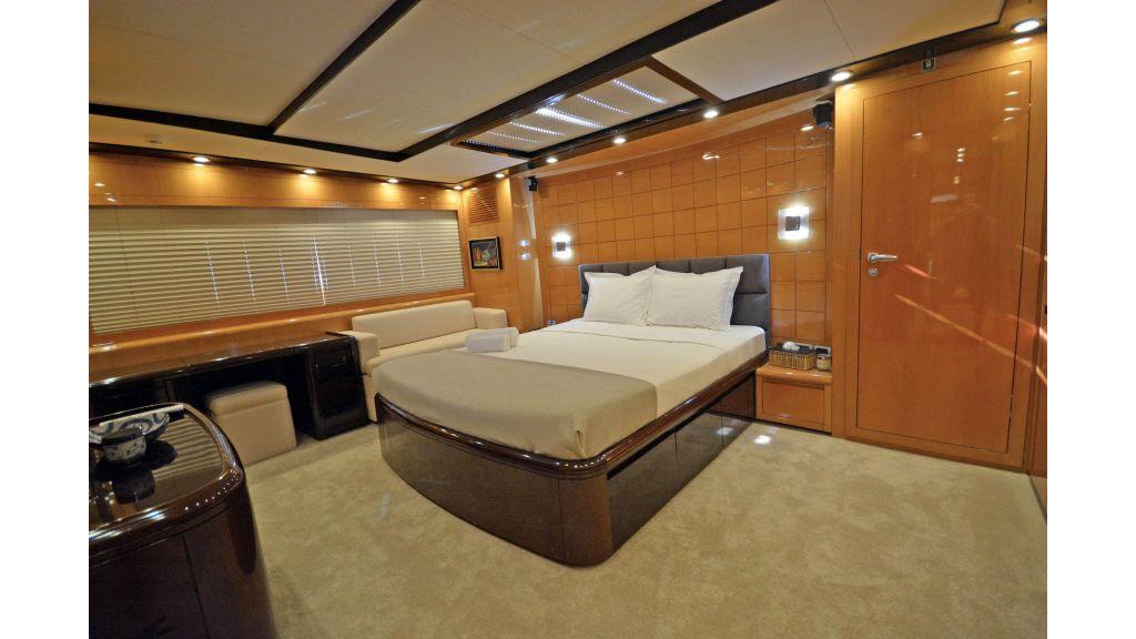 Go Luxury Motor Yacht (52)