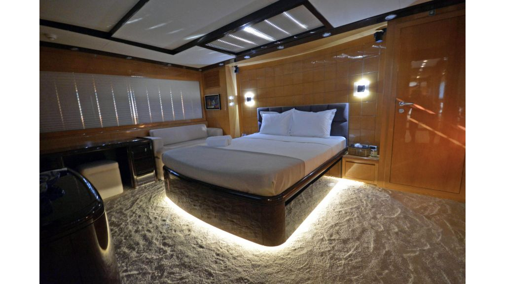 Go Luxury Motor Yacht (53)