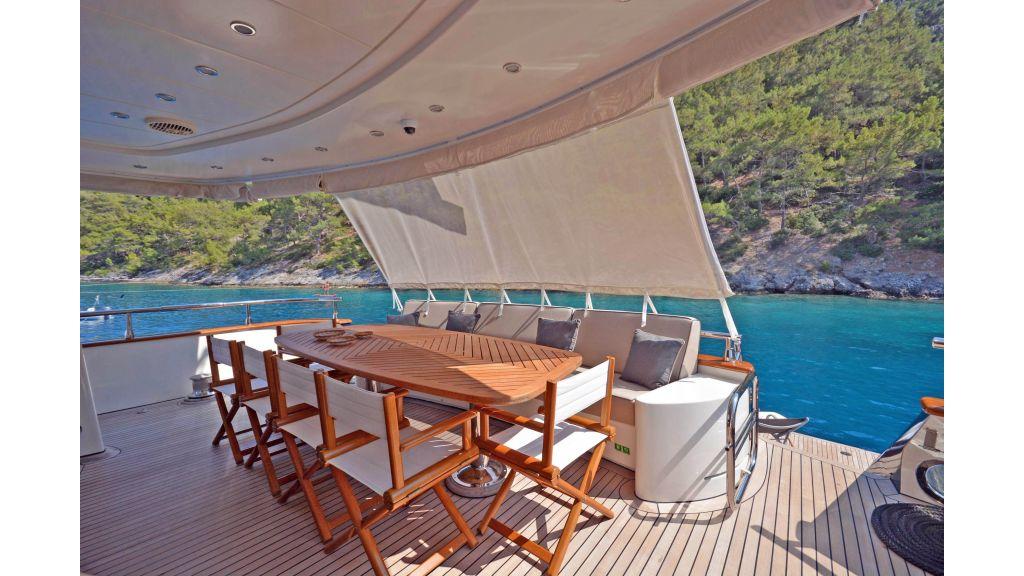 Go Luxury Motor Yacht (6)
