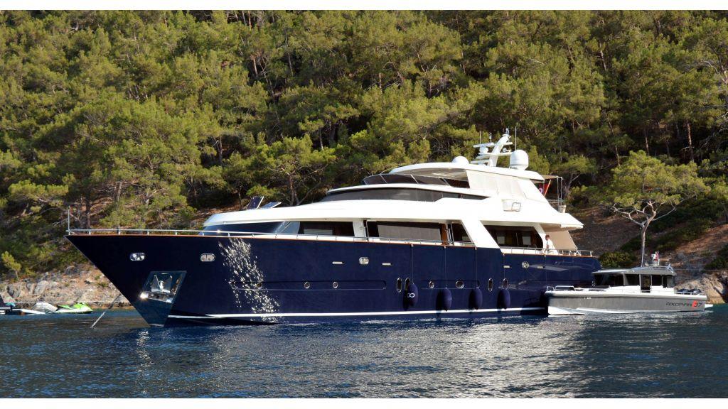 Go Luxury Motor Yacht (60)