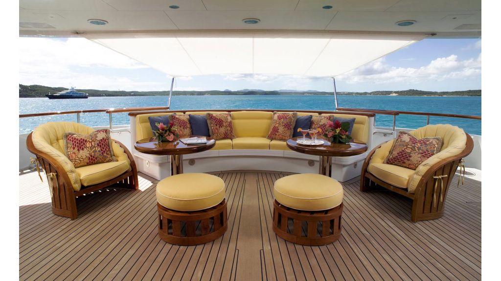 Huntress luxury yacht-master