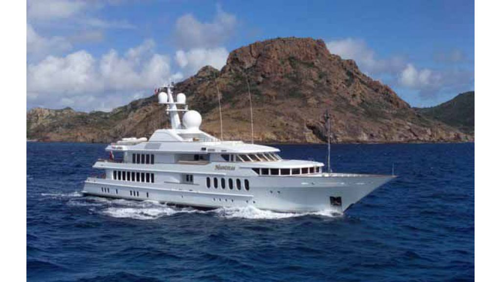 Megayacht_Huntress_ (16)