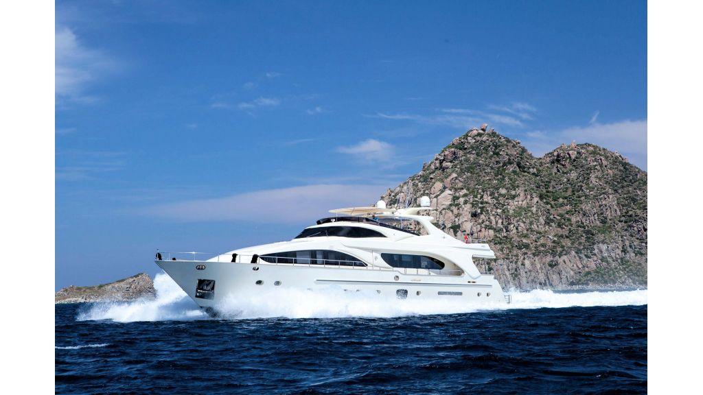 Motor Yacht Merve (2)