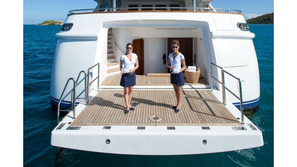 Motor-Yacht-Starfire.
